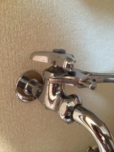 洗濯機の蛇口の水漏れを直す方法