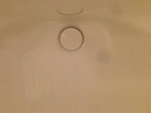 風呂場の排水溝のつまりの原因とその直し方