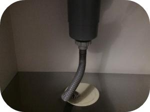 台所の排水ホースを交換すべき3つの理由とその手順