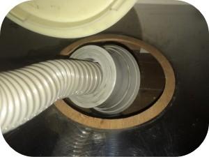 台所の排水溝の臭いを防ぐ為に弊社が行っている3つの対策7