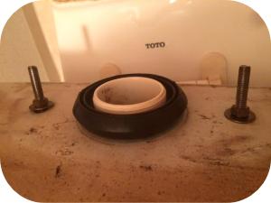 トイレタンクから水漏れしている場合の対処法