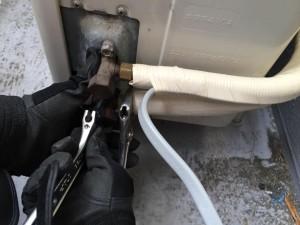 エアコンでガス漏れした時の簡単な対処法